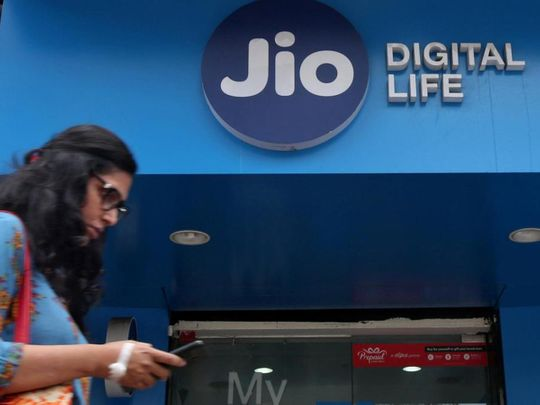 recharge-now-pay-later,-india's-jio-launches-'emergency-data-loan'-facility