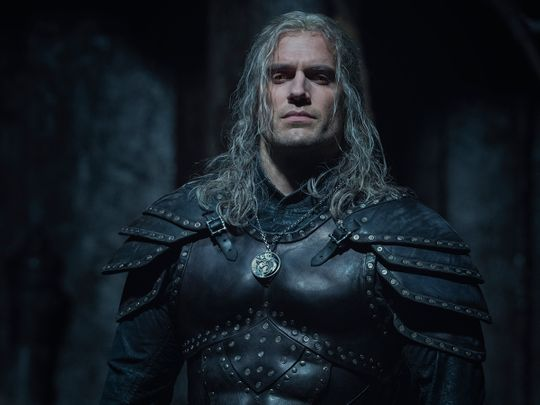 watch:-henry-cavill-returns-as-'the-witcher'-in-season-two-trailer