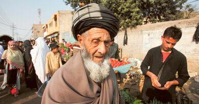 pakistan-seeks-international-support-over-fears-of-fresh-afghan-refugee-influx