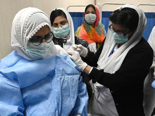 600,000-covid-19-vaccine-doses-administered-across-pakistan-in-24-hours