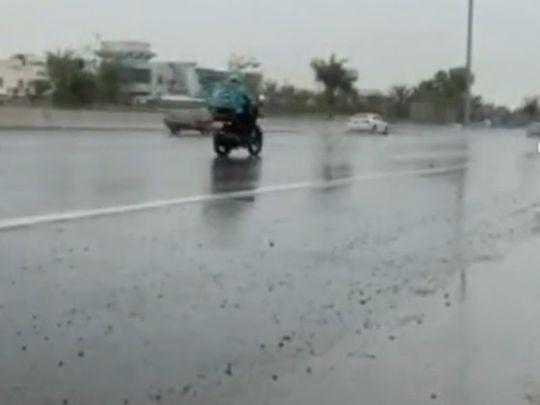 uae-weather:-rain-in-abu-dhabi,-al-ain,-dust-alert-out-across-dubai,-sharjah-and-ajman