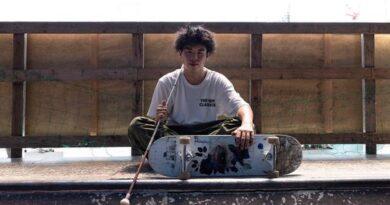 'hooked':-blind-japanese-skateboarder-going-by-feel
